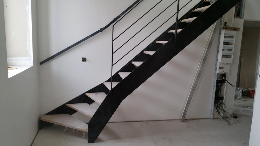 Escalier acier bois solf rino - Escalier bois et acier ...